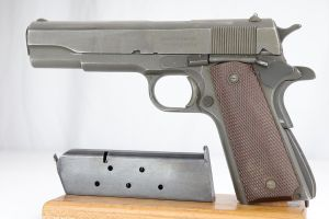 Remington Rand M1911A1 - 1945