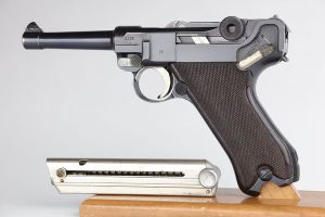 Superb, Early Krieghoff Luger - S Code