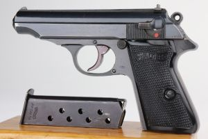 Excellent Waffen Walther PP