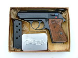 PC) BOXED Waffen PPK